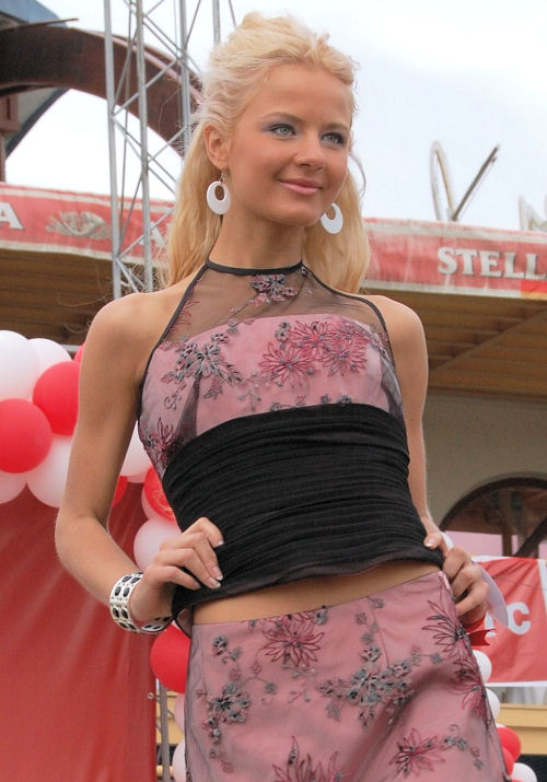 russian_women_beautycontest_3r.jpg