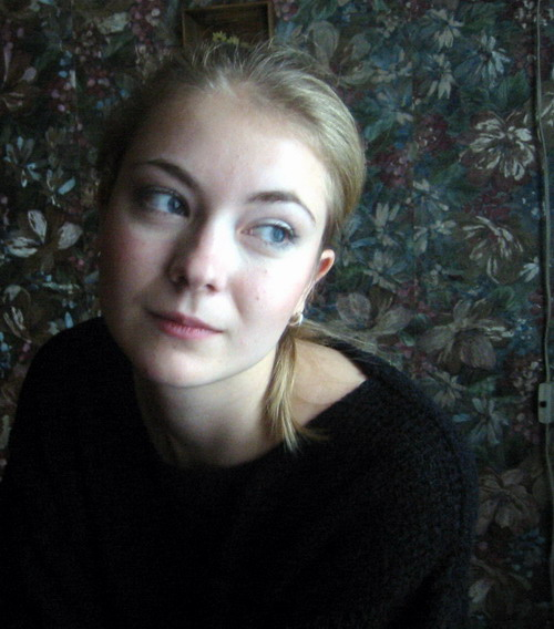 russian-girls-inessa-quiet-moment.jpg