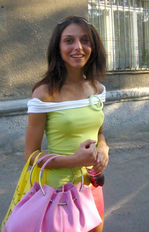 russian-girls-revealing-outfit-1.jpg