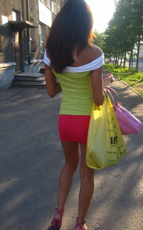 russian-girls-revealing-outfit-2.jpg