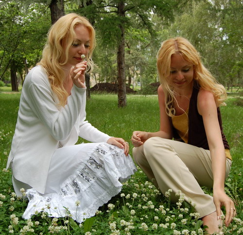 russian-women-siberian-sisters-1a.jpg