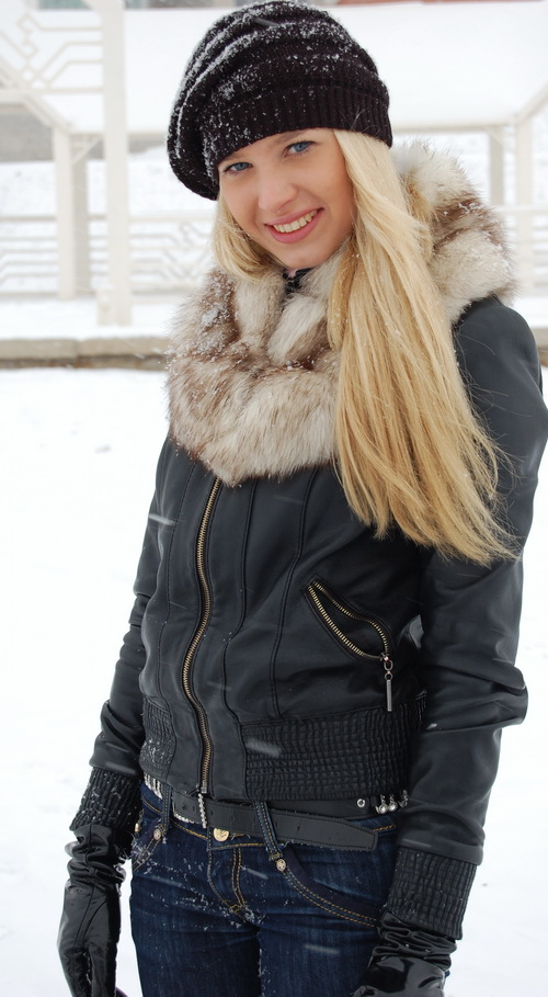 russian-women-lena-snow-girl-5