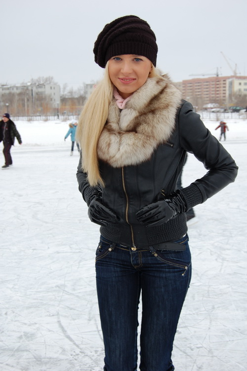 russian-women-lena-snow-girl-7